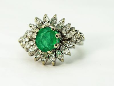 Vintage-Emerald-and-Diamond-Ring-CFA1711186-84359a