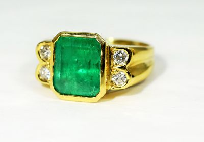 Vintage-Emerald-and-Diamond-Ring-CFA190229-85566aa