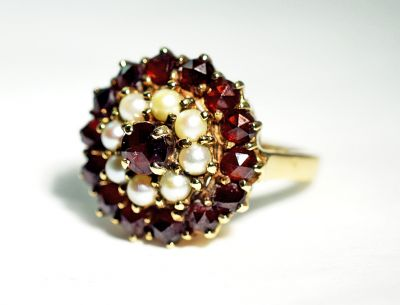 Vintage-Garnet-and-Pearl-Ring-CFA180187-84534aa