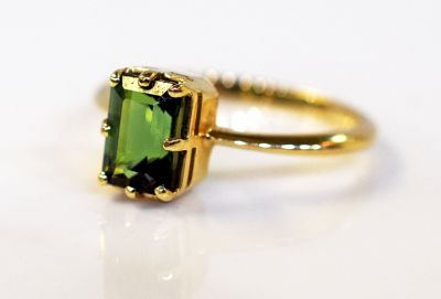 Vintage-Green-Tourmaline-Soltaire-Ring-CFA151095-80255b