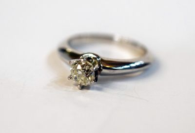 Vintage-Old-Mine-Cut-Diamond-Solitaire-Ring-AGL64335-82381a