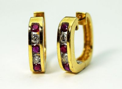 Vintage-Ruby-and-Diamond-Huggie-Earrings-CFA1511207-80370Ba