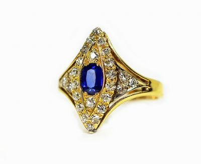 Vintage-Sapphire-and-Diamond-Navette-Ring-CFA190448-84540a