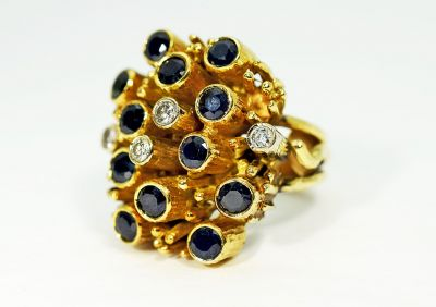 Vintage-Sapphire-and-Diamond-Ring-AGL70324-83437a
