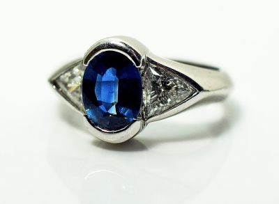 Vintage-Sapphire-and-Diamond-Ring-AGL81592-85089a
