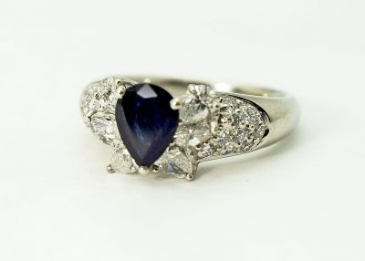 Vintage-Sapphire-and-Diamond-Ring-CFA1711119-84317a