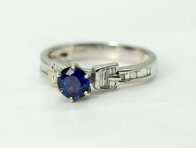 Vintage-Sapphire-and-Diamond-Ring-CFA1711120-84318a