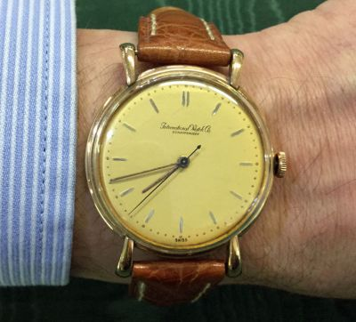 Vintage gentlemen s wristwatch-International Watch Company