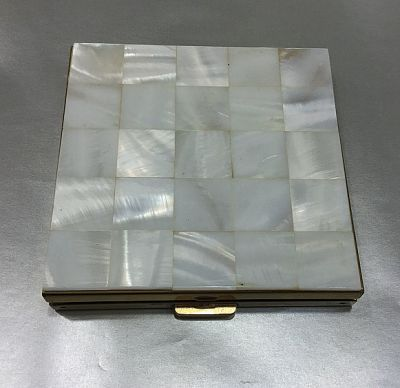 Volupte Vintage Mother of Pearl Powder Compact 2
