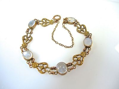 Yellow Gold Moonstone Bracelet CFA140682