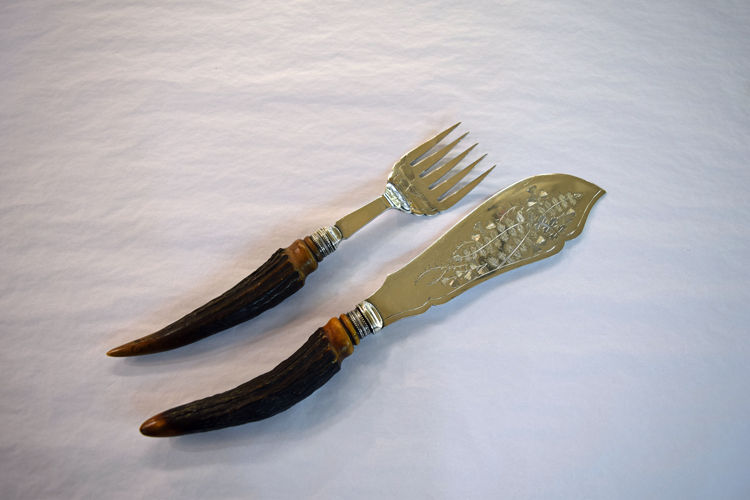 Victorian Two Piece Stag Handled Fish Servers